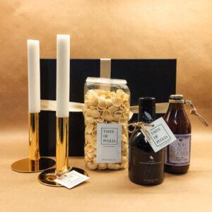 kerstpakket gezelligheid op tafel uit puglia, italie